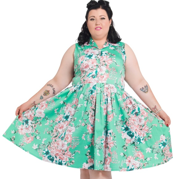 15d439be95523 NWT Voodoo Vixen Plus Size Retro Floral Dress 3X